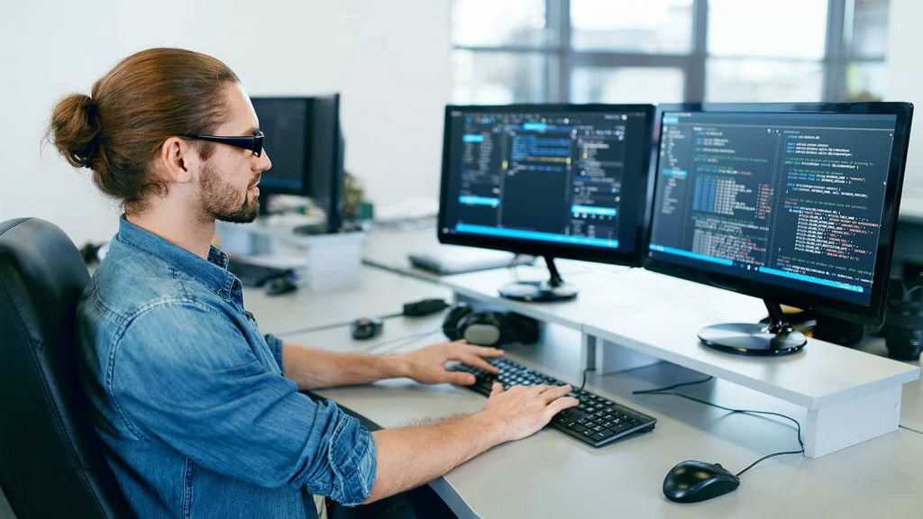The checklist How to pick the right custom software development company How to Choose a Custom Software Developer | Laneways.Agency
